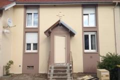 rénovation-de-la-façade-avec-un-D-3-armé-entoilage-pour-les-fissures-terminée